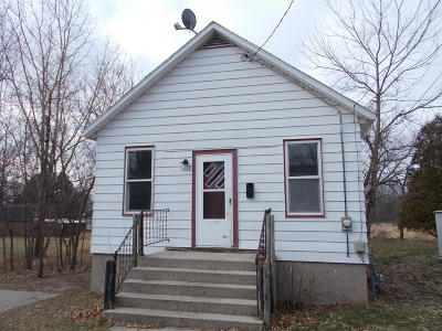 Menominee Single Family Home For Sale: 1111 25th St