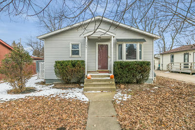 Kenosha County Single Family Home Active Contingent With Offer: 5427 63rd Ave