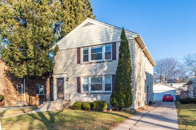 Milwaukee County Two Family Home Active Contingent With Offer: 5062 N Bay Ridge Ave #5064