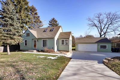 Racine County Single Family Home For Sale: 4213 Wood Rd