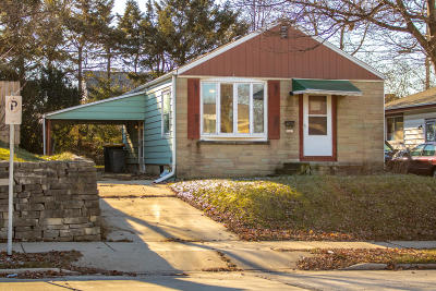 West Allis Single Family Home For Sale: 9813 W Lincoln Ave