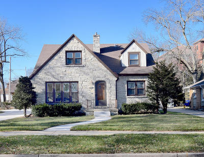 Wauwatosa Single Family Home For Sale: 521 Pleasant View St