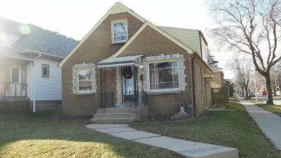 Milwaukee County Single Family Home For Sale: 3403 S 10th St