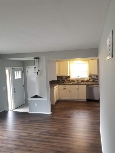 Milwaukee County Single Family Home For Sale: 11735 W Bobolink Ave.