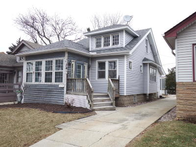 Milwaukee County Single Family Home For Sale: 318 N 64th St