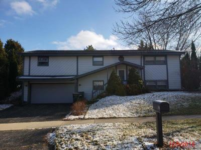 Waukesha WI Single Family Home For Sale: $204,000