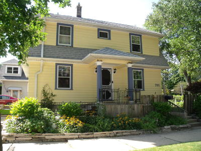 Milwaukee Single Family Home For Sale: 731 E Oklahoma Ave