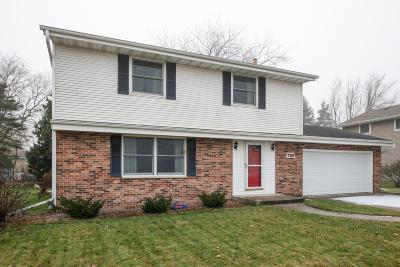Hartford Single Family Home Active Contingent With Offer: 729 Sunset Dr