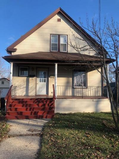 Kenosha Single Family Home For Sale: 4905 18th Ave