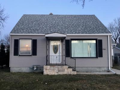 Milwaukee Single Family Home For Sale: 1564 S 38th St