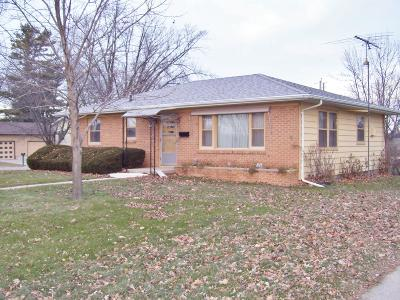Watertown Single Family Home For Sale: 711 Highland Ave.
