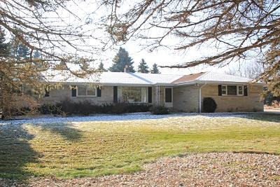 Brookfield Single Family Home For Sale: 15865 Gebhardt Rd