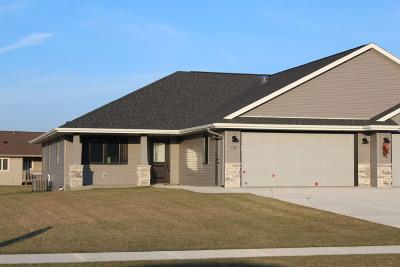 Cedar Grove Condo/Townhouse For Sale: 132 Sunrise Ct