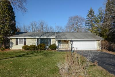 East Troy Single Family Home Active Contingent With Offer: W2144 Beulah Heights Rd