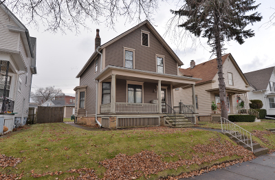 Racine County Single Family Home For Sale: 1514 Carlisle Ave