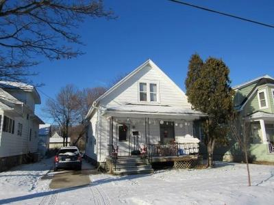 Sheboygan Single Family Home Active Contingent With Offer: 1416 S 8th St
