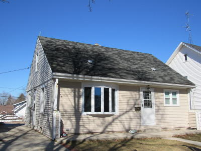 Sheboygan Single Family Home For Sale: 1304 S 20th St