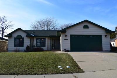 Kenosha Single Family Home For Sale: 6600 60th Ave