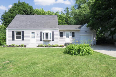 Brookfield Single Family Home Active Contingent With Offer: 1240 Apple Tree Ln