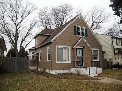 Milwaukee Single Family Home For Sale: 4455 N 58th St