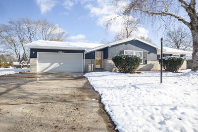 Milwaukee Single Family Home For Sale: 7020 N 98th St