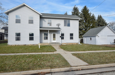 Mukwonago Single Family Home For Sale: 210 Field St