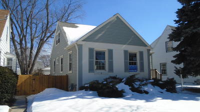Milwaukee Single Family Home For Sale: 3546 S 19th St