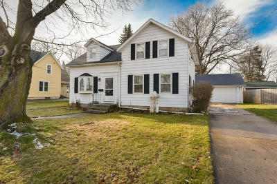 Single Family Home Active Contingent With Offer: 837 N Main St