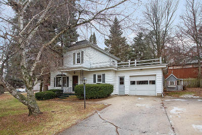 Plymouth Single Family Home Active Contingent With Offer: 319 W Main St