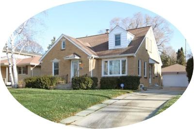Wauwatosa Single Family Home Active Contingent With Offer: 3868 N 102nd St