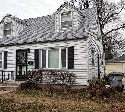 Milwaukee Single Family Home For Sale: 5708 W Custer Ave.