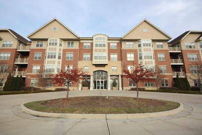 Saint Francis WI Condo/Townhouse For Sale: $159,900
