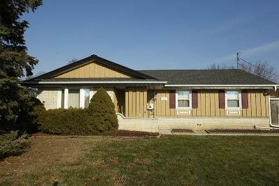 Cudahy WI Single Family Home For Sale: $219,900