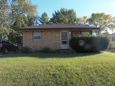 Milwaukee Single Family Home For Sale: 8019 W Green Tree Rd