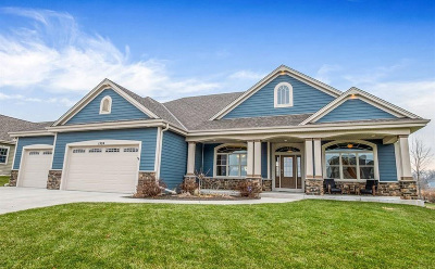 Waukesha Single Family Home Active Contingent With Offer: 1524 Mohican Trl