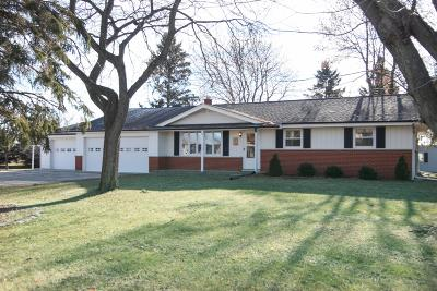 West Bend Single Family Home For Sale: 7704 Salisbury Rd