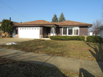 Kenosha Single Family Home For Sale: 5216 62nd St