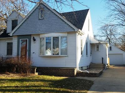 Single Family Home Active Contingent With Offer: 508 N 115th St