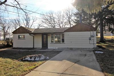 Pleasant Prairie WI Single Family Home For Sale: $129,900