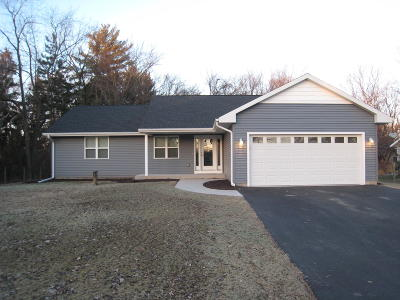 Elkhorn Single Family Home Active Contingent With Offer: W5254 Tippecanoe Trl