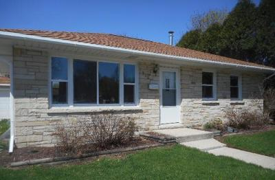 Waukesha Single Family Home For Sale: 308 S Moreland Blvd