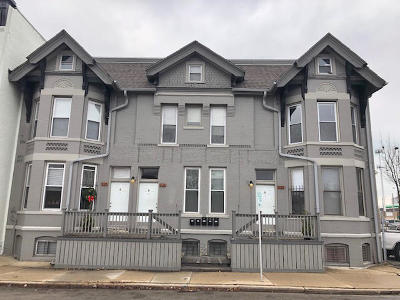Milwaukee Multi Family Home Active Contingent With Offer: 926 S 2nd St #928