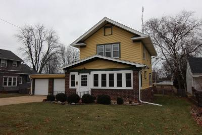 Kenosha Single Family Home For Sale: 7835 7th Ave