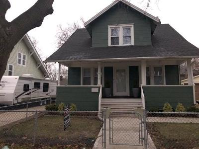 Kenosha Single Family Home Active Contingent With Offer: 1417 73rd St