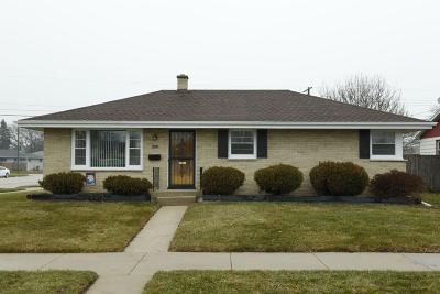 Racine Single Family Home For Sale: 1318 Harmony Dr