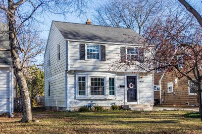 Whitefish Bay Single Family Home Active Contingent With Offer: 4634 N Idlewild Ave