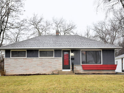 Menomonee Falls Single Family Home Active Contingent With Offer: W149n6288 Mineola Dr