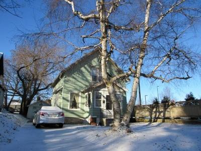 Sheboygan Single Family Home Active Contingent With Offer: 2502 N 6th St