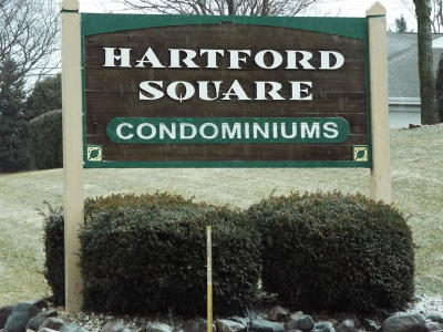 Hartford Condo/Townhouse Active Contingent With Offer: 415 Hartford Sq
