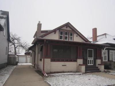 Racine Single Family Home For Sale: 1508 Deane Blvd